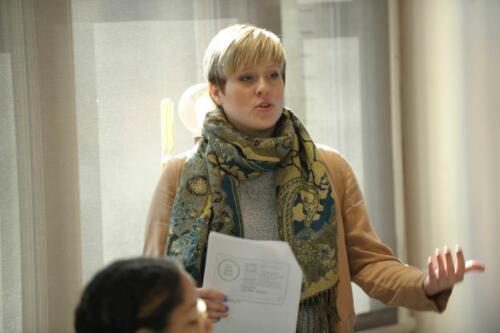 Kristina Pepelko, writing expert facilitating a writing session